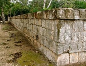 Ball+court+tzompantle 10 Tembok yang Bersejarah di Dunia